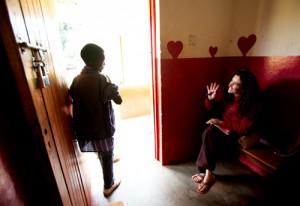 Jessie Stone waving goodbye to Dowdy at clinic. © Trevor Clark