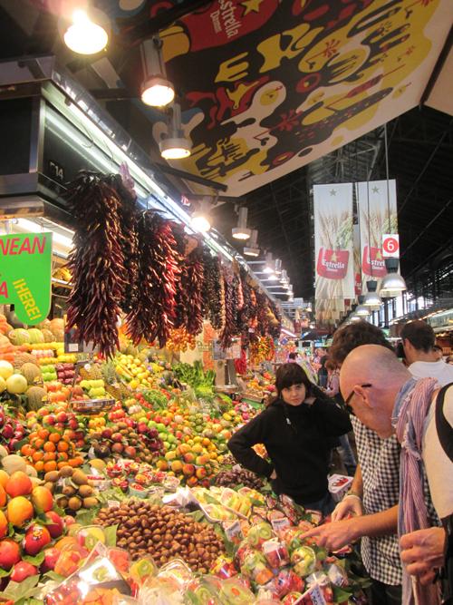 Barcelona market scene. © Ron Tocknell