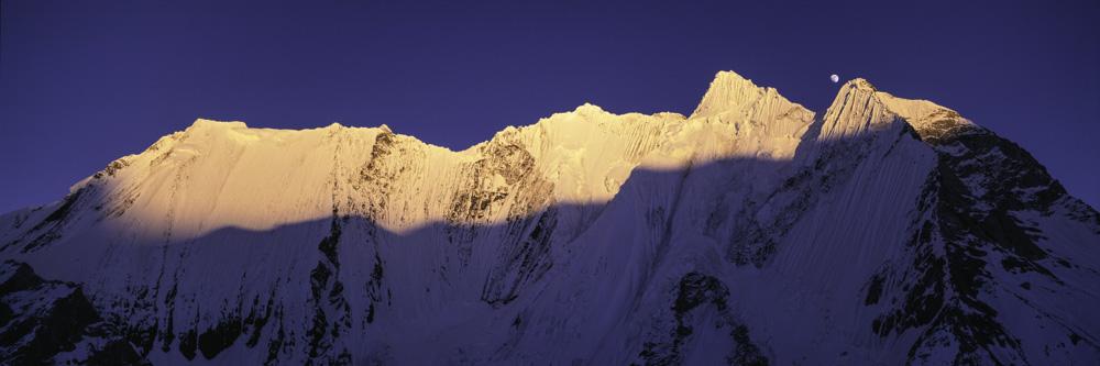 Chogolisa, Vigne Glacier. © Colin Prior