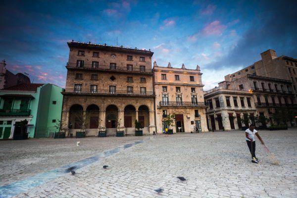 Cuba-Images---Brendan-van-Son