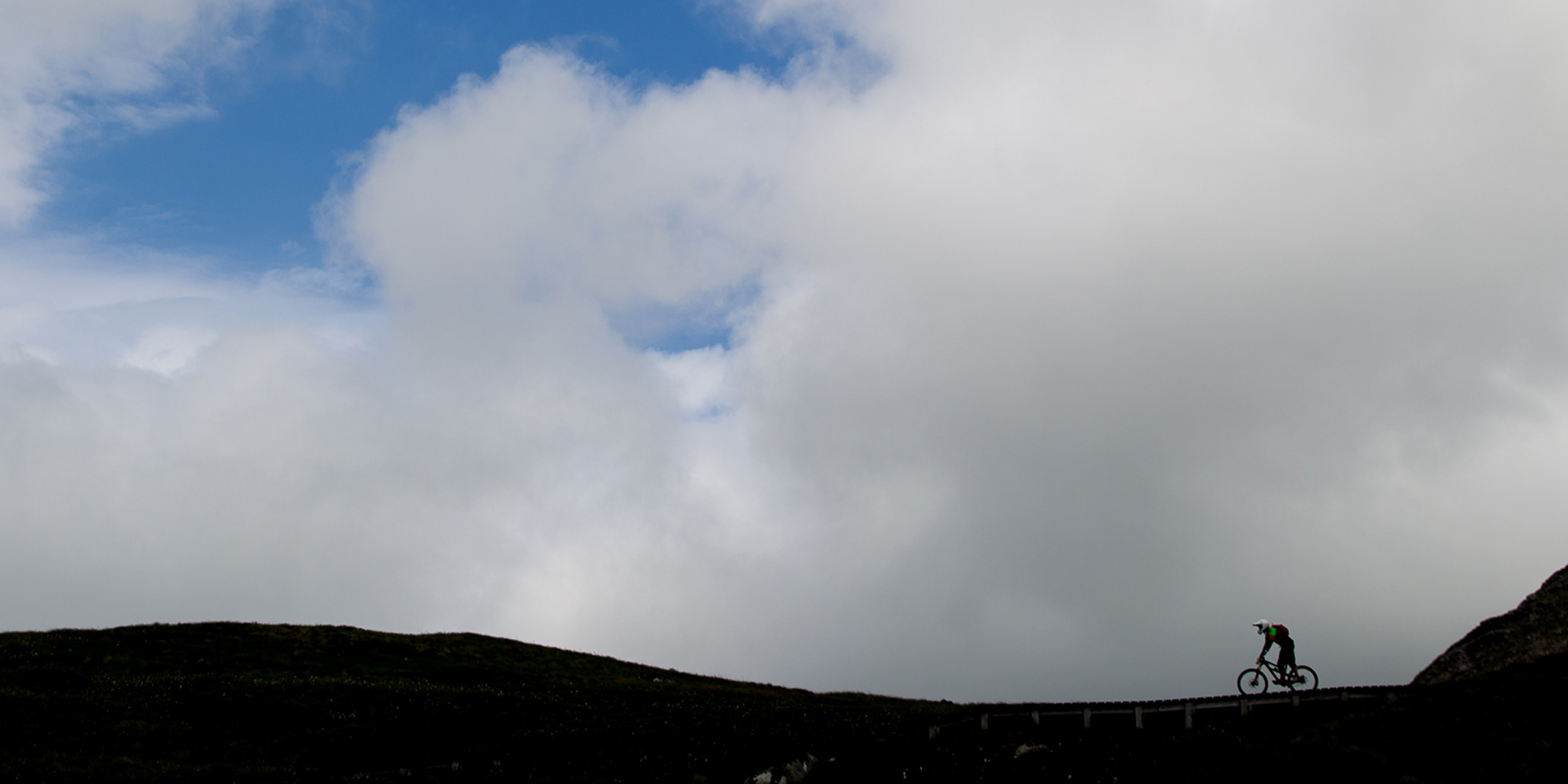 Lowepro Bikes the Scottish Highlands