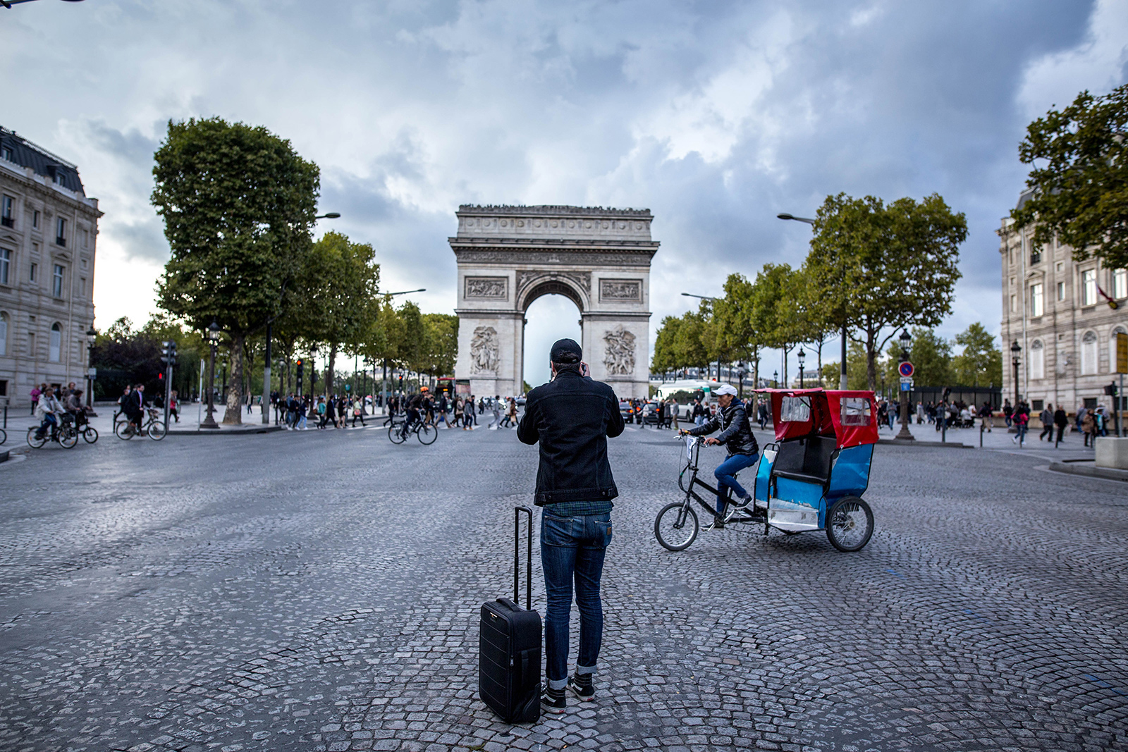Paris in Style with the Lowepro PhotoStream RL 150